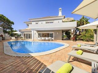 5 bedroom Villa in Vale do Lobo, Faro, Portugal : ref 5718956
