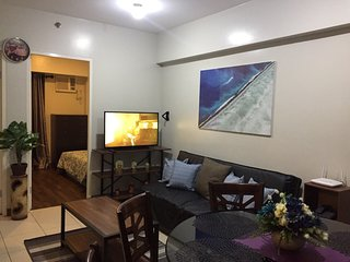 Flair Tower | Greenfield Commercial District | 50Mbps | Netflix | Free Parking