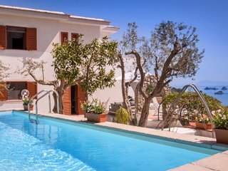 4 bedroom Villa with Pool, Air Con and WiFi - 5717352