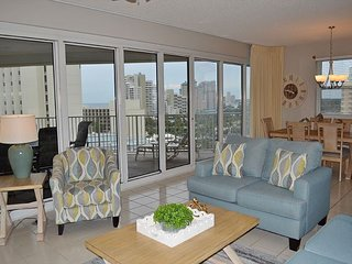 Tides 811 ~free family activities~ gorgeous 8th floor beachfront condo