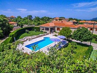 4 bedroom Villa in Mitrovici, Croatia - 5716609