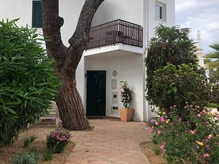 Vale do Lobo Luxury Resort - Fabulous 3 Bed Home 5 mins from beach & restaurants