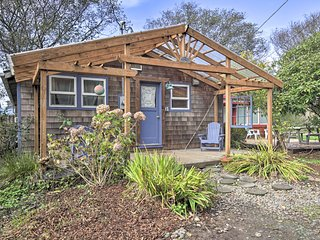 NEW! Cottage w/Jacuzzi-2 Blocks from Beach&Main St