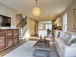NEW! Ocean View Model Townhome - 1.5 Mi to Beach