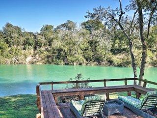San Marcos River Home w/Grill & 4 Decks!