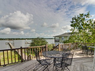 Lagoon-front home w/nearby boat launch & balcony w/gorgeous views
