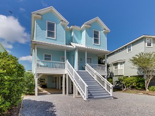 Gulf view duplex w/shared pool, hot tub & gym-200 yds to beach