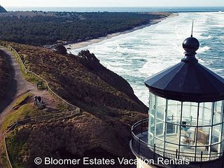 Bk 2 Get 2 FREE! Incredible 180 view, steps to beach & Discovery Trail, BBQ