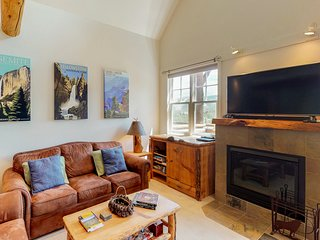 NEW LISTING! Dog-friendly ski-in/out townhome w/ private hot tub & shared pool