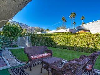 Palm Springs Hideaway *90 Day Minimum*