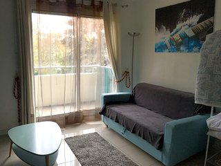 Cosy studio very close to the centre of Aubervilliers with Parking, Internet, Ba