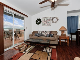 Lakeview Hideaway (ENR 25-6) w/ Indoor Pool Access