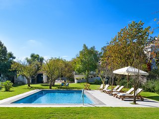 La Casa Bianca, Pool and Garden