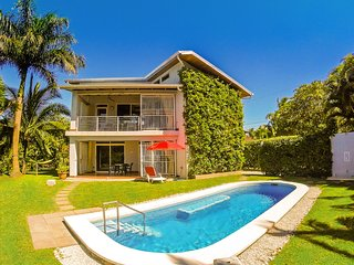 Unique House-Super View-Pool-Short Walk to Beach