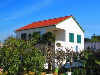 Cozy house in the center of Turanj with Parking, Internet, Air conditioning, Bal