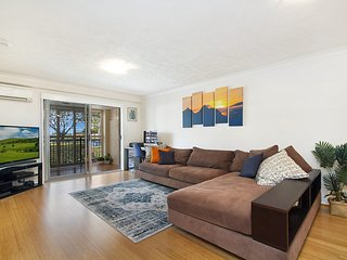 Peurto Vallerta unit 1 - Great value, great location in Coolangatta, Southern Go