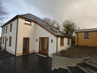 66640 House situated in Llandysul (2mls SW)