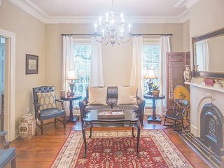 Stay Local in Savannah: Historic family home on with private parking!