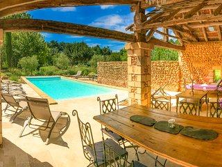 Dezie Manor and Gardens: Cottage with Heated pool near Sarlat la Caneda