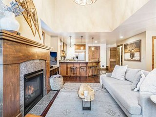 Modern Gem! Located * Beaver Creek Entrance, Luxury Amenities - Heated Pool/Hot