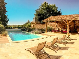 Dezie Manor and Gardens: Grange with 12x5 Heated pool near Sarlat la Caneda