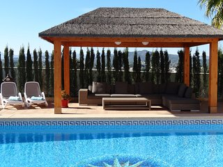 Luxury villa, Javea, sleeps 8, Private pool, air con, wifi, stunning villa.