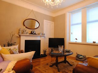 St Regulus Cottage, Lundin Links - A traditional cottage with a boutique twist