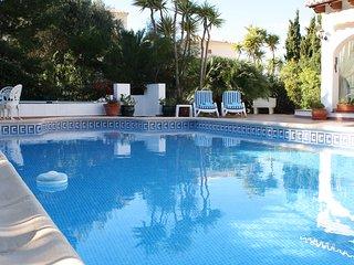Luxury villa, in Javea, close to Grandel, sleeps 6, Private pool, air con, wifi.