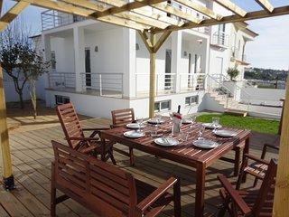 Casa Brisa da Lagoa - walk to beach, village centre, lagoon view family home