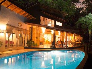 Ocean view villa Casa Drop In