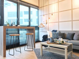 Modern 2BR Suite with Breathtaking Views