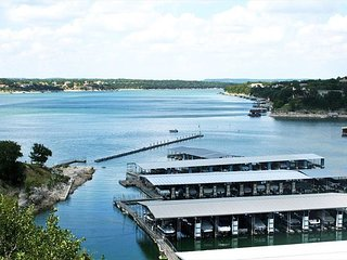 Waterfront All-Suite 3BR w/ Private Balcony – On-Site Dining, Spa & Marina
