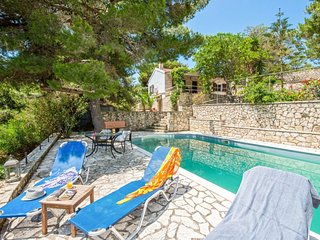 Villa Violeta Surrounded by its own colourful garden and a swimming pool