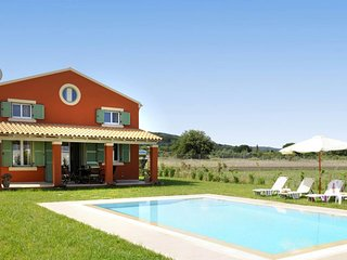 Villa Piteri a 2 Βedrooms With Private Pool with open views