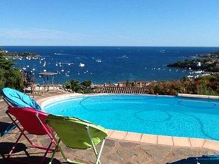 Appartement dans villa  vue mer et Esterel piscine prive AGAY St RAPHAEL