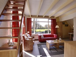 Dalfsen Holiday Home Sleeps 4 with Pool and WiFi - 5057139