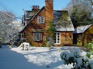 Beautiful Arts and Crafts cottage in the New Forest