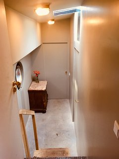 This is the hallway to the little studio. Coming with 3/4 guests you will use this hallway as well.