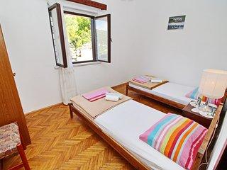 Spacious apartment close to the center of Žrnovo with Parking, Internet, Air con
