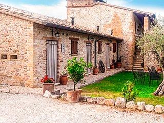 Historic 19th Century Chateau - Indigo Suite