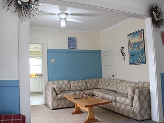 3 bedrooms in quiet area short walk to the beach.apt1