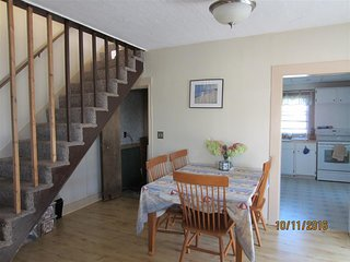 3 bedrooms in quiet area short walk to the beach.apartment 2