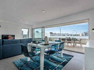 LOVELY BRAND NEW MODERN APARTMENT WITH POOL