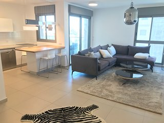 Modern & Spacious 3 BR apt by the biggest TLV park
