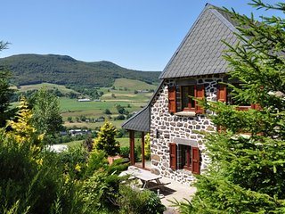 Farmhouse Auvergne Mountain view