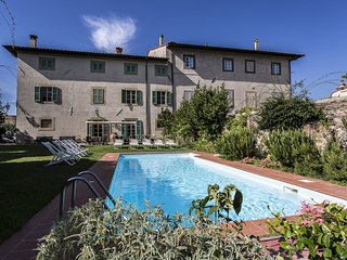 15 bedroom Villa in Cevoli, Tuscany, Italy : ref 5549729