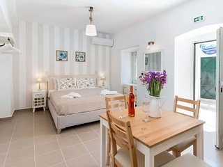 Sweet Dreams Studio is located in the quietest picturesque village of Gaios