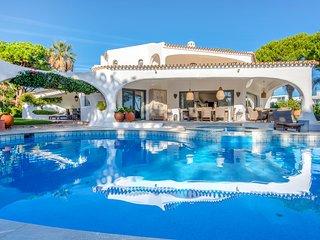 6 bedroom Villa in Quinta do Lago, Faro, Portugal : ref 5621110