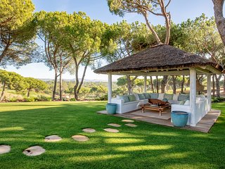 Quinta do Lago Villa Sleeps 12 with Pool and Air Con - 5621110