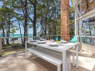 THE ULTIMATE EXPERIENCE-DIRECT BEACH FRONT VILLA WITH AMAZING VIEWS-SURF BOARDS